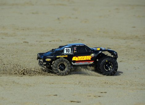 Lorenzo's Traxxas Slash Ultimate 4x4